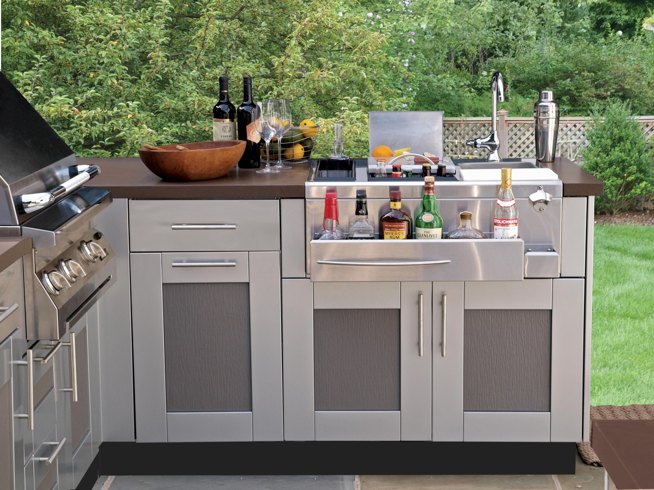 Bringing The Inside Out Outdoor Kitchen Cabinetry 6 Week Summer Series Redinterior