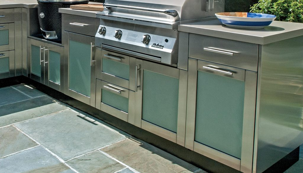 Bringing the inside out outdoor kitchen cabinetry 6 for Outdoor kitchen cabinets